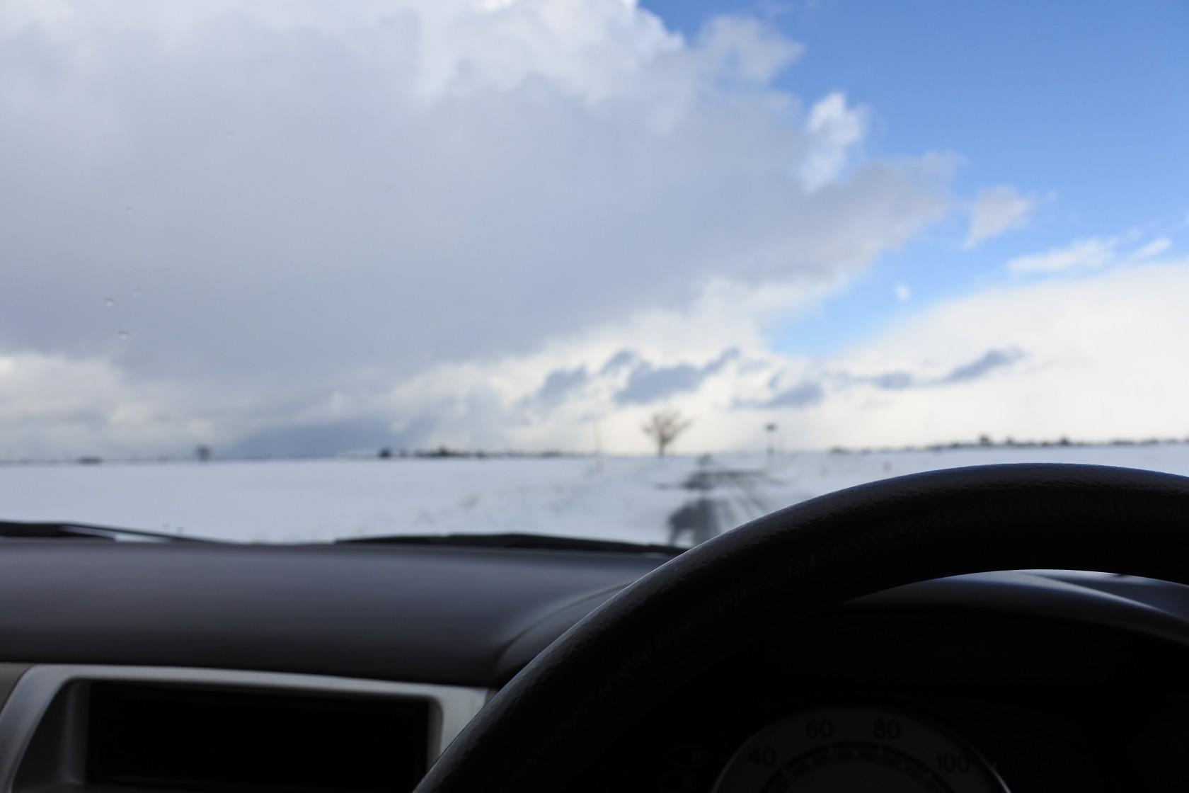 ダイハツ ミラ 車窓から