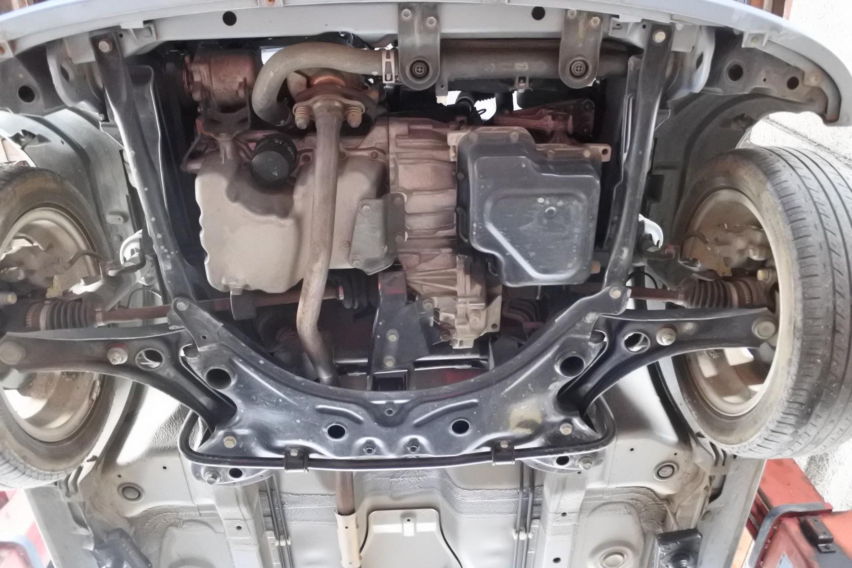中古車 ワゴンR 車体下エンジン