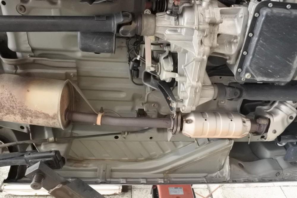 中古車注文 クリッパー 4WDの車体下